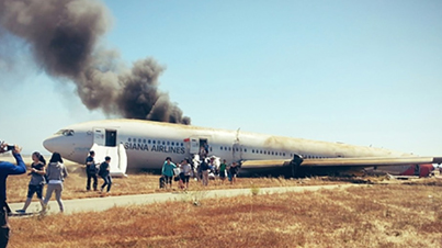 [BREAKING NEWS] Raw Footage: Boeing 777 Plane Has Crashed While Landing in San Francisco Airport!