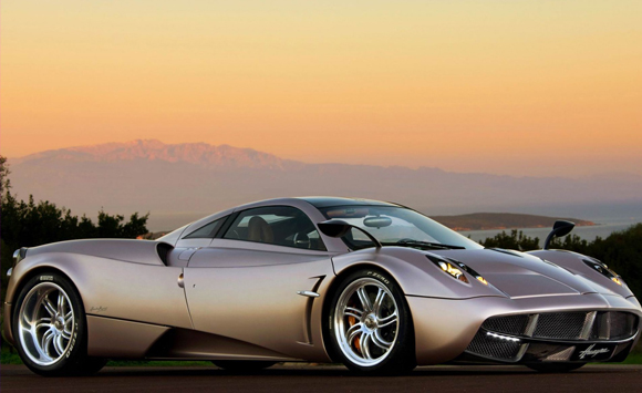 Pagani Huayra: The Latest Supercar From The Italian Manufacturer