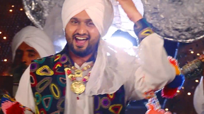 Lakkdi Da Ford by Roshan Prince (Prod. by Desi Crew) (Official Video)