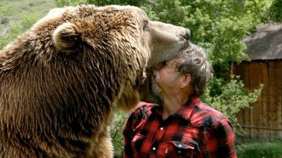 Man Wrestles With His Pet Grizzly Bears