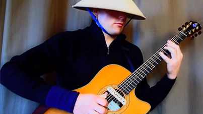 Flawless Victory: Raiden Playing Trance Music on Acoustic Guitar