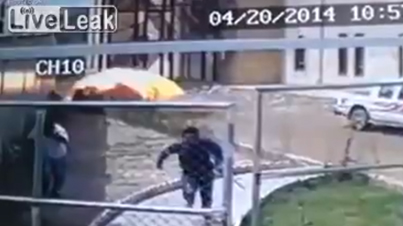 Caught on Film: Suicide Bomber Blows Himself Up In The Middle Of The Street