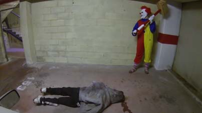 Traumatizing: Scary Clown Explodes A Dummy's Brain With A Sledgehammer (Prank)