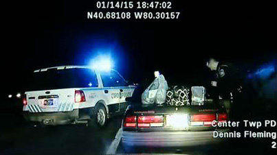 Incredible Raw Footage: Handcuffed Woman Steals Police Car Then Drives Off Like A Boss