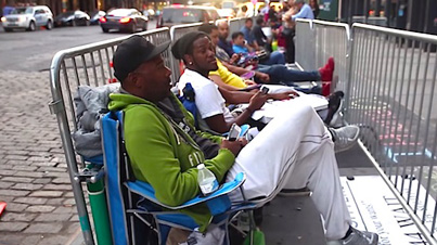 Man Makes $1000 A Week Waiting In Line