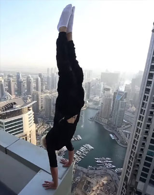 Hand Stand Of Death In Dubai