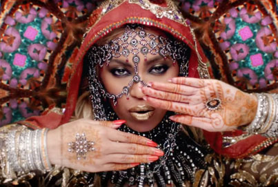 Hymn For The Weekend by Coldplay Ft. Beyoncé (Official Music Video)