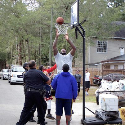 Shaq Surprises Cop Who Played Basketball With Kids