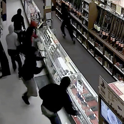 10 Thieves Steal 50 Weapons From A Gun Store