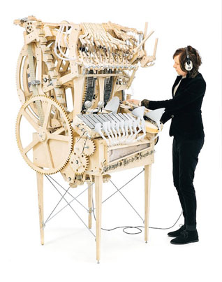 Incredible Music Machine Powered By 2,000 Marbles