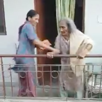 Nasty Kuthi Lays Hands On An Elderly Woman In Delhi