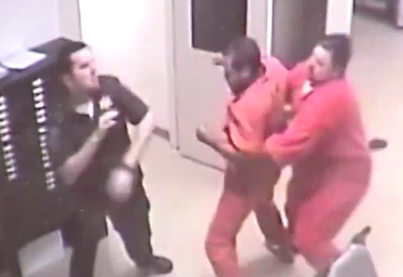 Oklahoma Inmate Helps Jailer During Attack