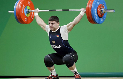 Rio 2016: Olympic Weightlifter Snaps His Arm Like A Twig 😱