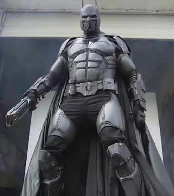This Real-Life Batman Suit Has 23 Functioning Gadgets 🙌