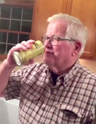 Grandpa Opens Beer He Saved 32 Years For Cubs Win 🍺