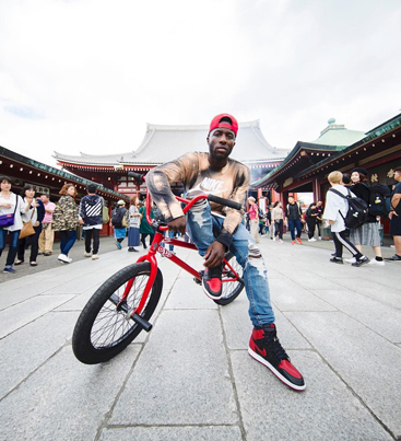 Nigel Sylvester Rides The Mind Blowing Streets Of Tokyo ⚡️