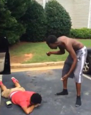 Dude Gets A Beating Of A Life Time For Snitching On His Best Friend 😩😩⚰️