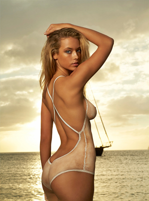 Hannah Ferguson's Body Paint Leaves Nothing To The Imagination 🙏🏽❤️🙏🏽