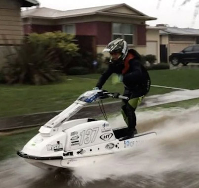 Meanwhile In The Flooded-Out Streets Of California 🌊🌊🌊