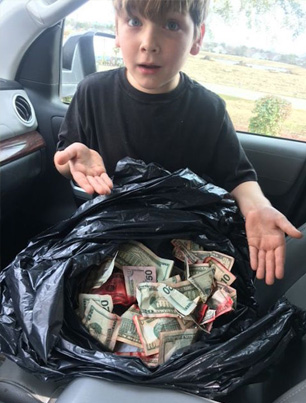 7-Year-Old Kid Finds A Garbage Bag Filled With Money 😱💰