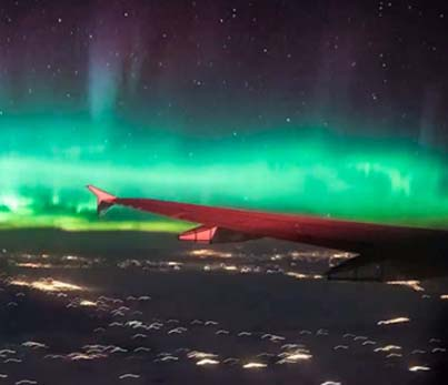Aeroplane Passenger Captures Beautiful Geomagnetic Storm ✈🌏💓😍