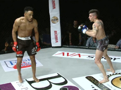 Cocky MMA Fighter Gets Knocked Out With A Nasty Kick To Face 😴😴😴