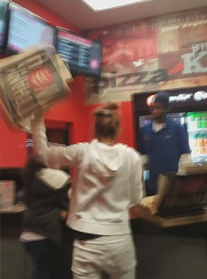 Crazy White Lady Destroys Pizza Hut Over Wrong Order 😱