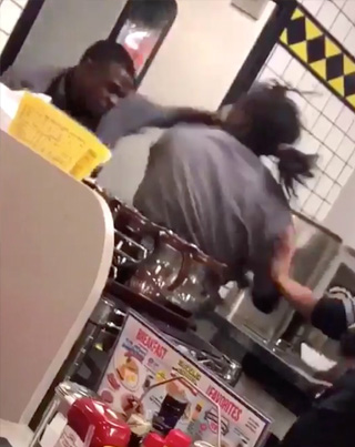 Waffle House Employees Throw Pots And Hands 💀💀💀