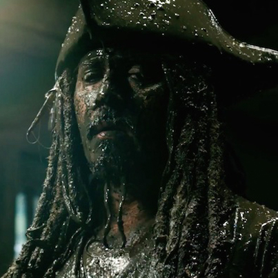Pirates Of The Caribbean: Dead Men Tell No Tales (Official Movie Trailer)
