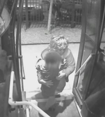 Bus Driver Saves A Lost 5-Year-Old Boy 😳🙏