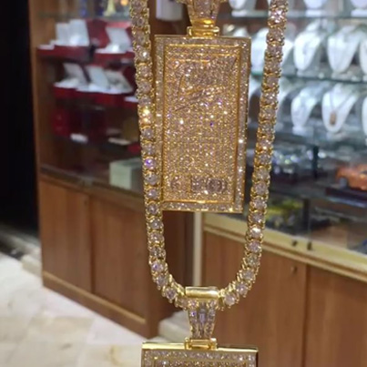 Gucci Shows Off His New Jewelry ❄️❄️❄️