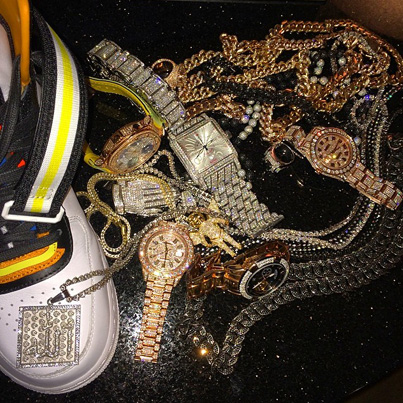 Birdman Shows Off His Jewlery Collection 👀💰❄️