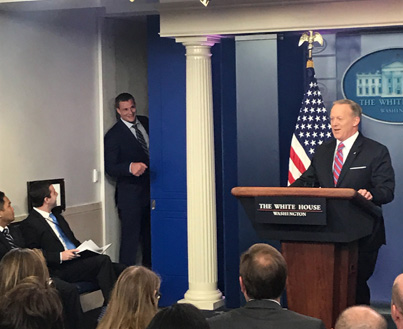 Gronk Crashes White House Briefing 😂😂😂