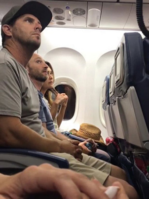 Delta Airlines Threaten To Send Parents To Jail Over A Baby Seat 😤