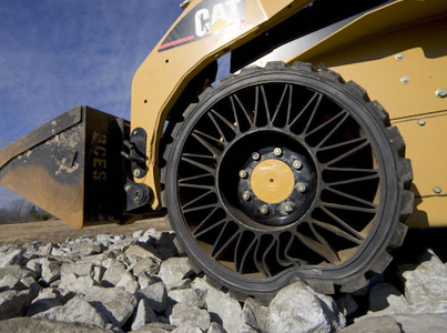 Awesome Airless Tires Made For A Bobcat 😮😮😮
