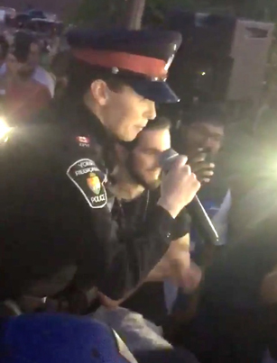 Canadian Police Officer Surprises Crowd With A Fire Freestyle 🇨🇦🤘🏽🔥
