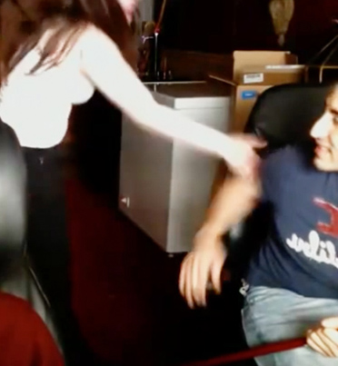 Dude Records His Roommate's Girlfriend Screaming And Hitting Him 😂😂😂