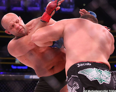 Matt Mitrione Knocks Out Fedor Emilianenko After Insane Double Knock Down 💀💀💀