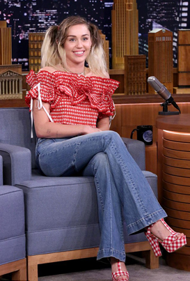 Miley Cyrus Tells Jimmy Fallon Why She Quit Smoking Weed