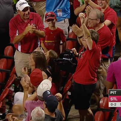 This Lady Used Her Purse To Catch This Foul Ball ⚾️👜😳