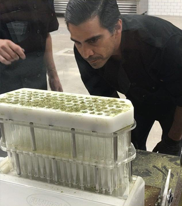 Vegas Company Builds Machine That Rolls 100 Joints In 5 Minutes 🙏🙏🙏