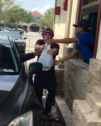 If Someone Did This To You In The Drive-Thru What Would You Do? 😂🍔