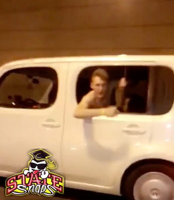 Savage Dude Smashes A Ting In The Uber (NSFW) 😂😎😂