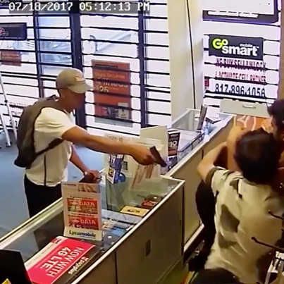 Shop Owner Wasn't Bout To Be Robbed By No Jack Boys In Flip Flops 💀💀💀