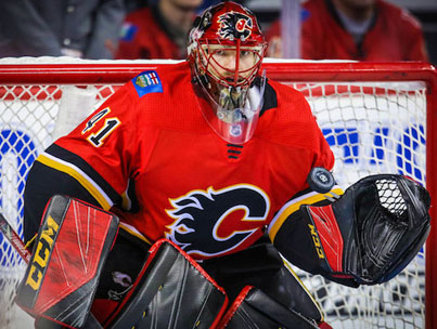 Calgary Flames Goalie Makes Disgustingly Good Behind The Back Save 🔥🔥🔥