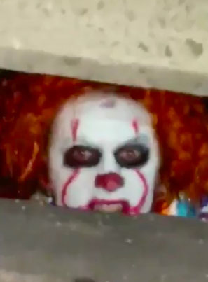 Pennywise The Crack Clown Takes A Different Approach 😂
