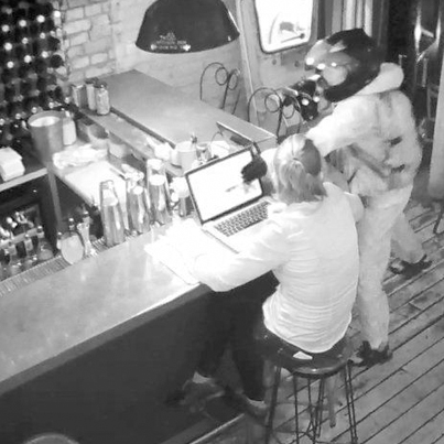 Moped Rider Tries To Rob A Bar Manager For Her Macbook Pro