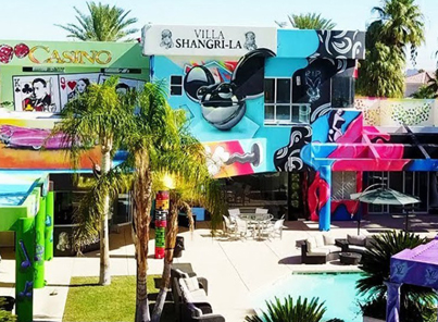 Rich Dude Lets Graffiti Artists Spray Paint His Million Dollar Vegas Mansion 🙌🙌