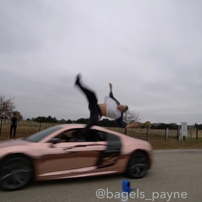 DUDE GETS HIT BY AN AUDI R8 😫😫😱
