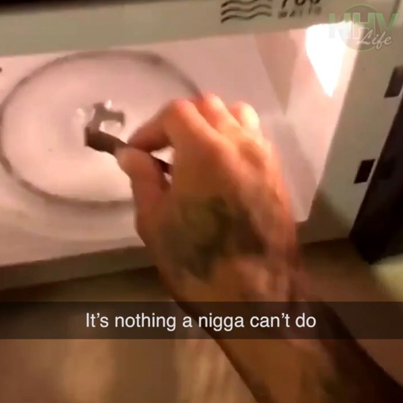 Dude Uses A Microwave To Light Up A Blunt 😂😂😂😭